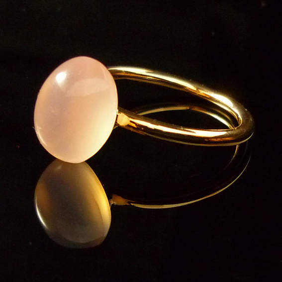 GILARDY GOCCIA ring  from 18Ct rosé gold with pink chalcedony